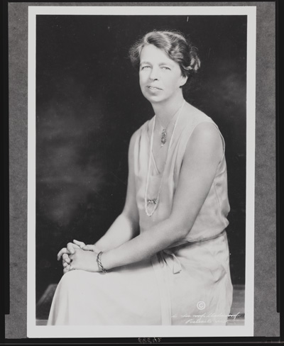 eleanor roosevelt short essay Free essay: the impact of eleanor roosevelt as a first lady before eleanor roosevelt, the role of the first lady was not a political role it was merely just.
